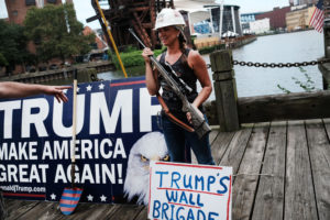 trump-supporters-guns-08